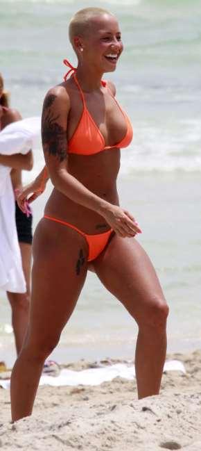 kanye-amber-rose-bikini-05